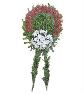 Beyaz ve Kırmızı Çiçekler Çelengi