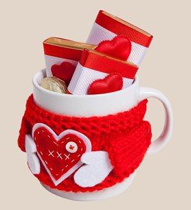 Sevgiliye Özel Çikolatalı Kırmızı Örgülü Bardak